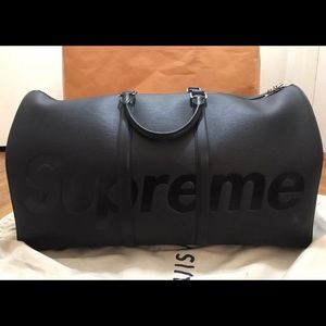 Other - LV Supreme Duffle (BLK) TEXT (702) 867-0280‼️‼️‼️